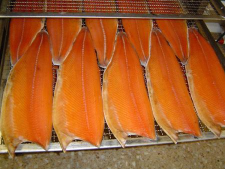 Norwegischer Lachs mit Buchenholz geräuchert