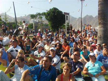 Fans beim Aufstieg von Teneriffa