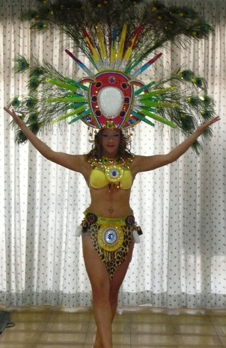 Afrikanisches Kostüm der Gruppe Hespérides