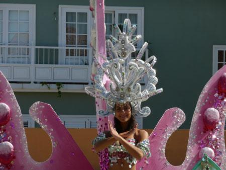 Vanesa als Kandidatin für die Wahl der Karnevalskönigin in Los Realejos