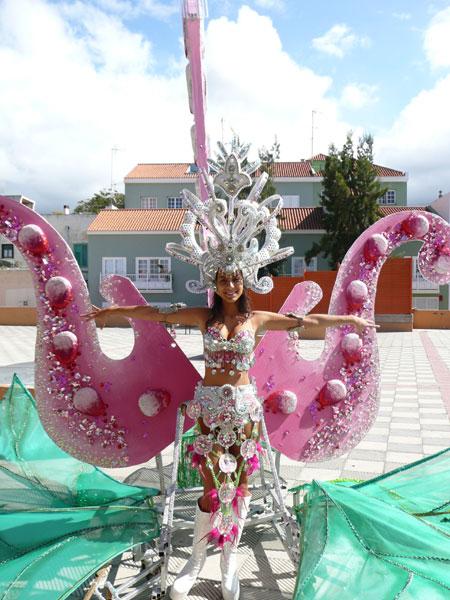 Das Kostüm von Vanesa beim Aufbau