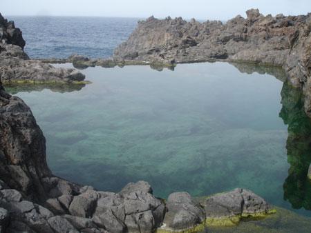 Entstehung Teneriffa: Kontrast aus Lava und Wasser