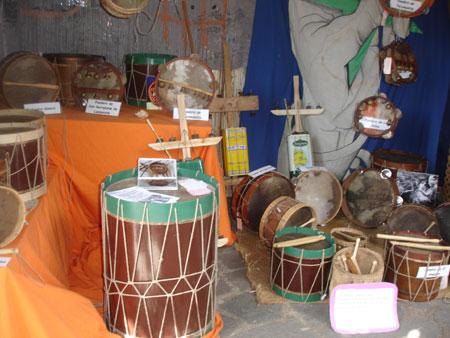handgefertigte Musikinstrumente
