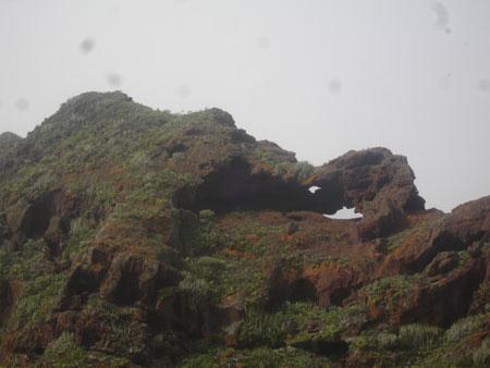Bizarre Felsformationen auf dem Weg nach oben ins Höhlendorf