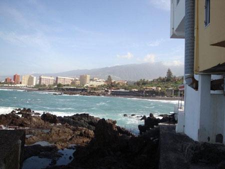 Blick vom Fischerdorf auf Puerto