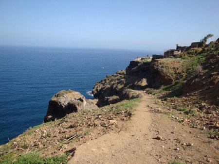 Zugang zum Küstenwanderweg von Romantica 1 aus