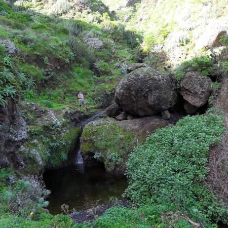 Zahlreiche Wasserfaelle verspruehen rauschende anmut