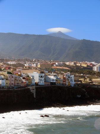 Der Teide mit einer Ufo-Wolke