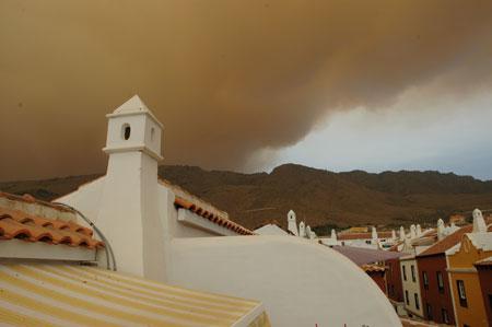 Rauch Qualm vom Waldbrand auf Teneriffa