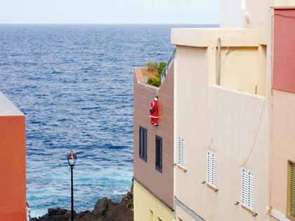 Teneriffa Weihnachtsmann am Meer