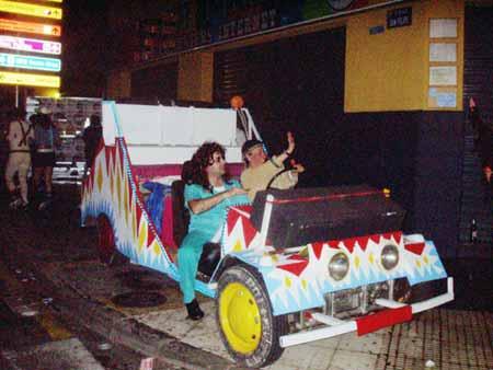 Buntes Auto, Karneval in Puerto de la Cruz - Teneriffa