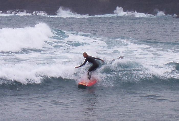 Anne, die Surflehrerin