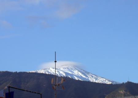 Teide mit Schnee Ende März auf Teneriffa