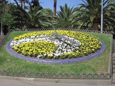 Blumenuhr Parque Garcia