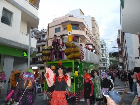 Karnevalswagen mit Musik