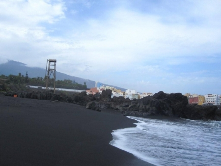 schwarzer sand strand