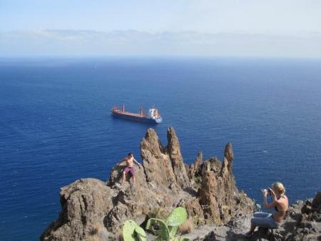 Schiff auf Reede - Strand Playa de las Teresitas