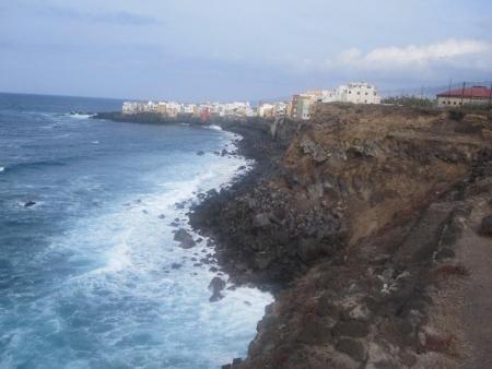 zerklüftete Steilküste